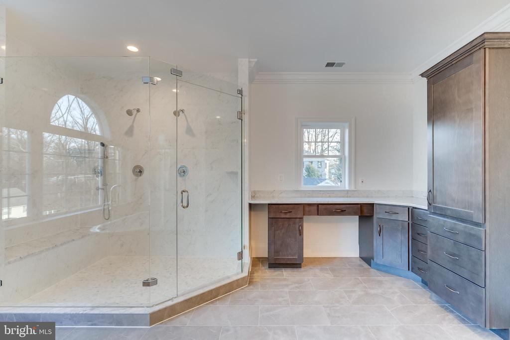 Huge Shower and plenty of prep counter space! - 1916 STORM DR, FALLS CHURCH