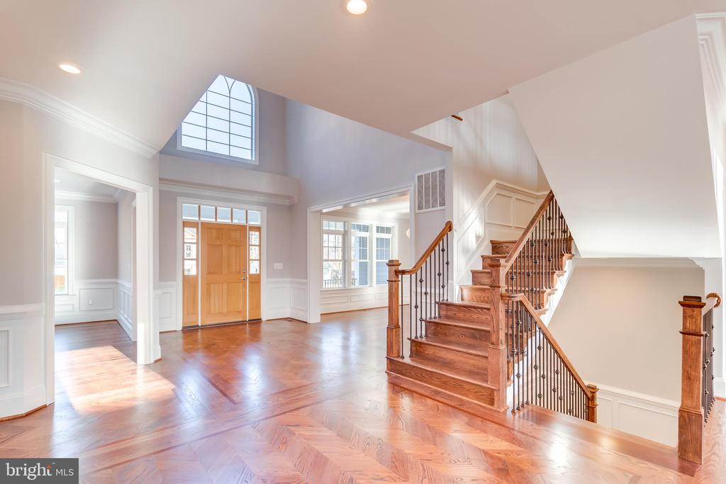 Foyer Room From Family Room - 1916 STORM DR, FALLS CHURCH