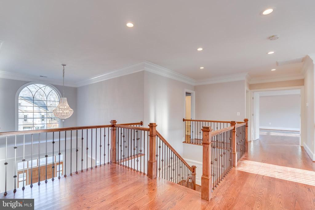 Upstairs to 4 bedrooms, each with full bath! - 1916 STORM DR, FALLS CHURCH