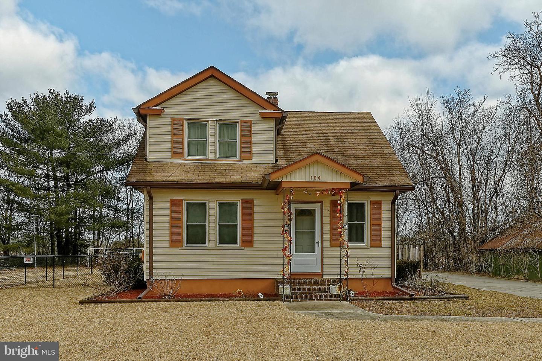 Частный односемейный дом для того Продажа на 104 E ATLANTIC Avenue Minotola, Нью-Джерси 08341 Соединенные Штаты