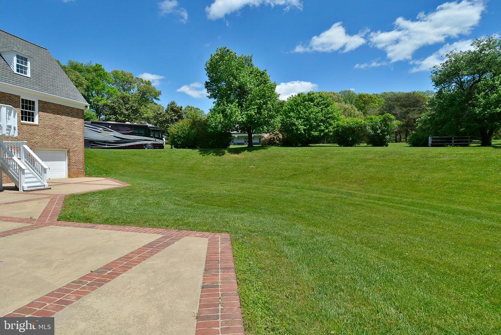 Stunning Pastoral Views - 6901 CLIFTON RD, CLIFTON