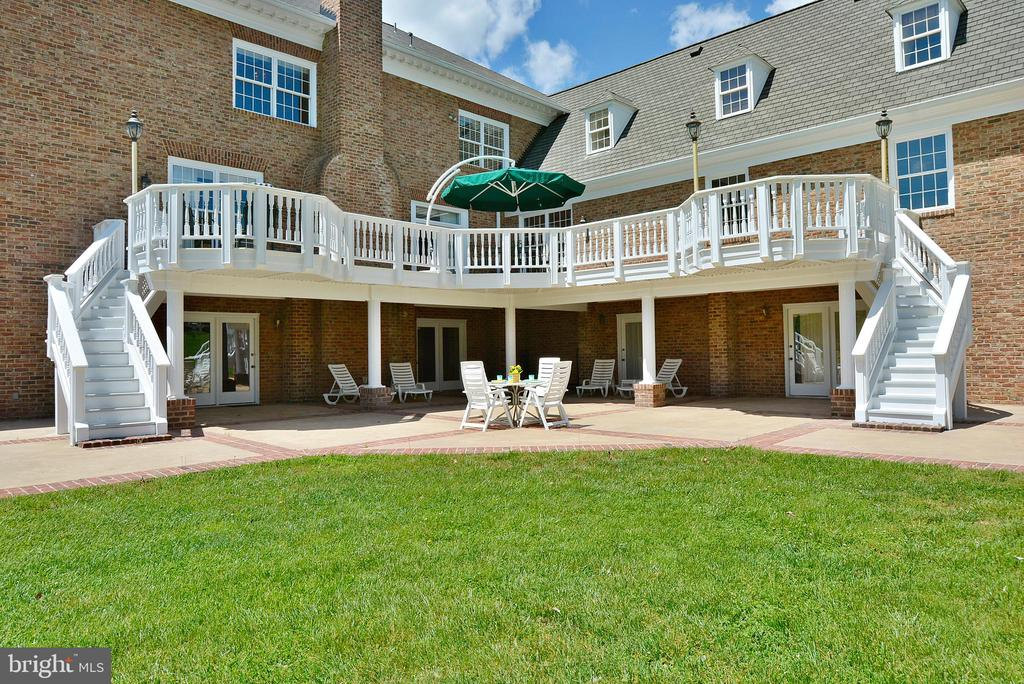 Perfect Spot for Outdoor Hosting - 6901 CLIFTON RD, CLIFTON