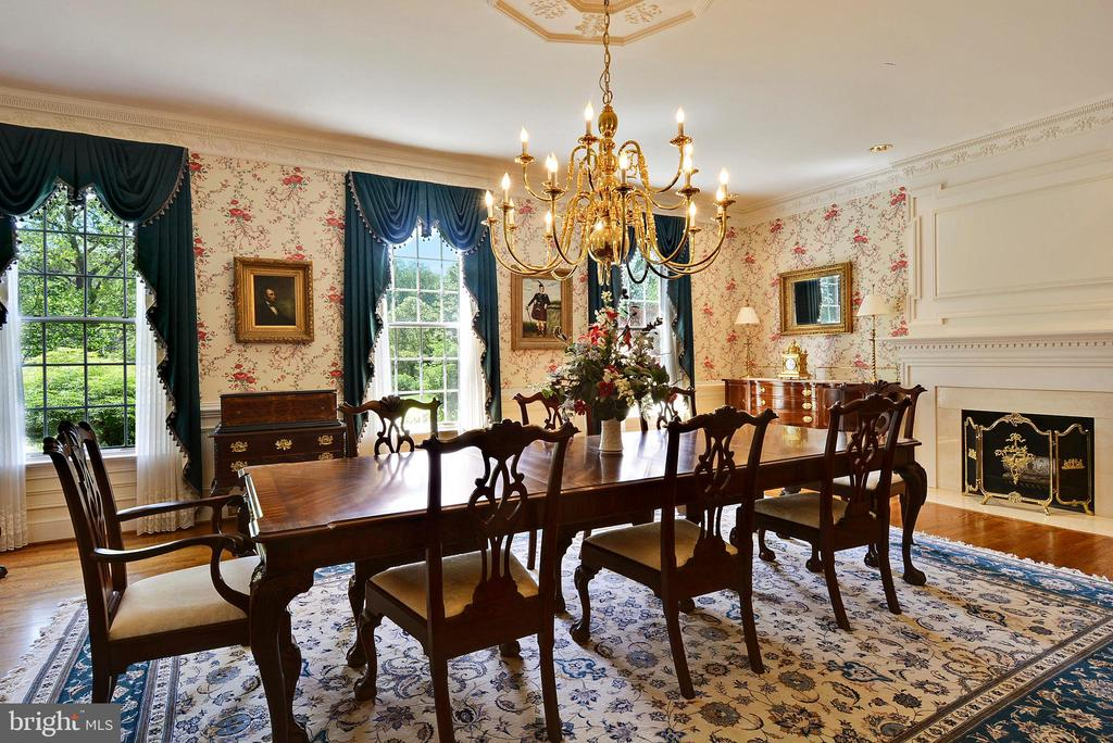 Dining Room:Banquet-size to Intimate Dining - 6901 CLIFTON RD, CLIFTON