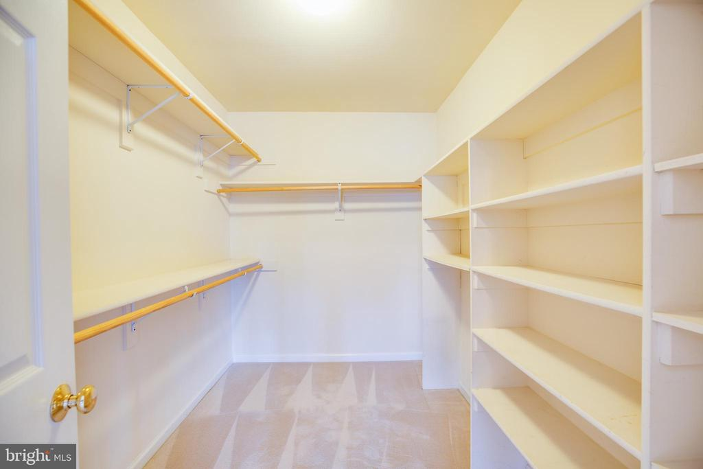 Large Walk-in Closet - 8485 COLFAX DR, KING GEORGE