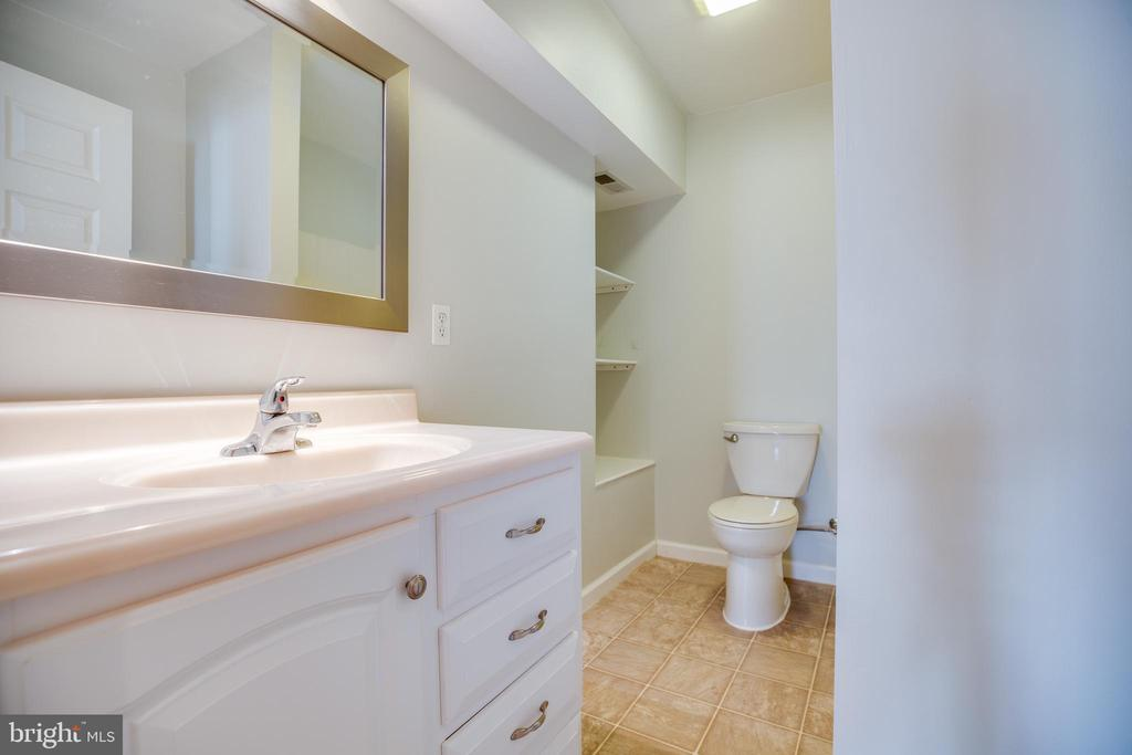 Full Bath in Basement - 8485 COLFAX DR, KING GEORGE