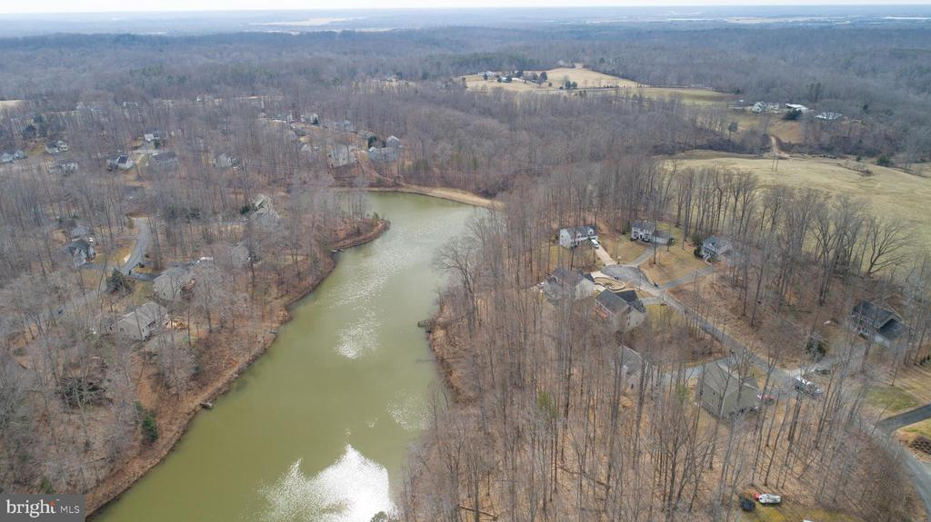 Overhead view of Lake - 8485 COLFAX DR, KING GEORGE