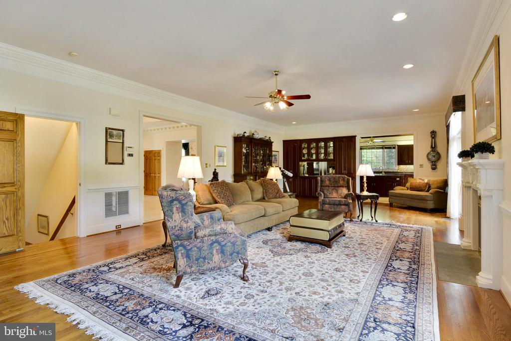 Family Room/Great Room - 6901 CLIFTON RD, CLIFTON