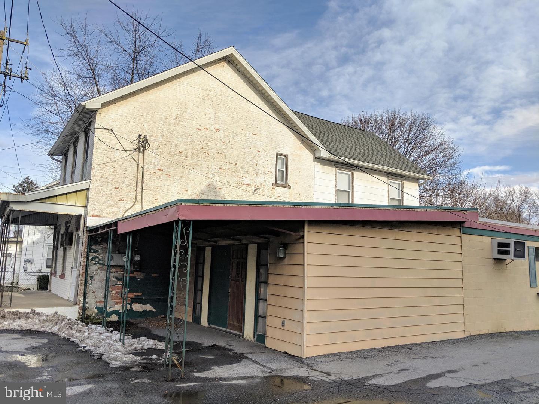 Photo of home for sale at 7532 Hamilton Boulevard, Trexlertown PA