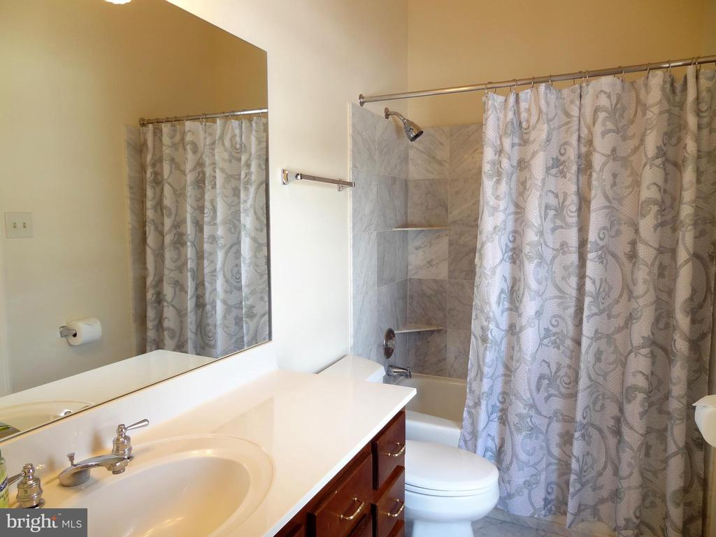 Bath, within a Bedroom Suite - 6901 CLIFTON RD, CLIFTON