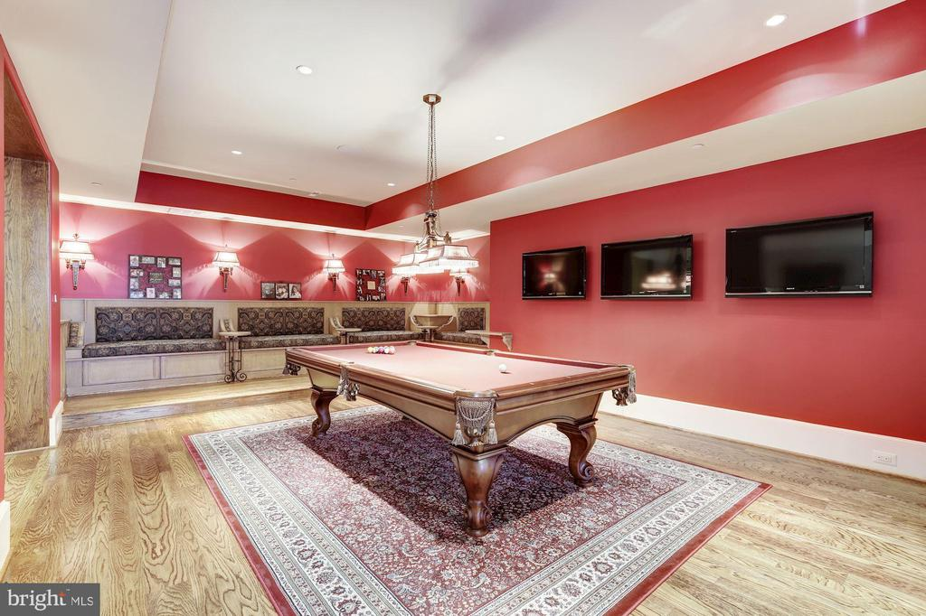 Billiards Room w/ 2-way FP - 9811 AVENEL FARM DR, POTOMAC