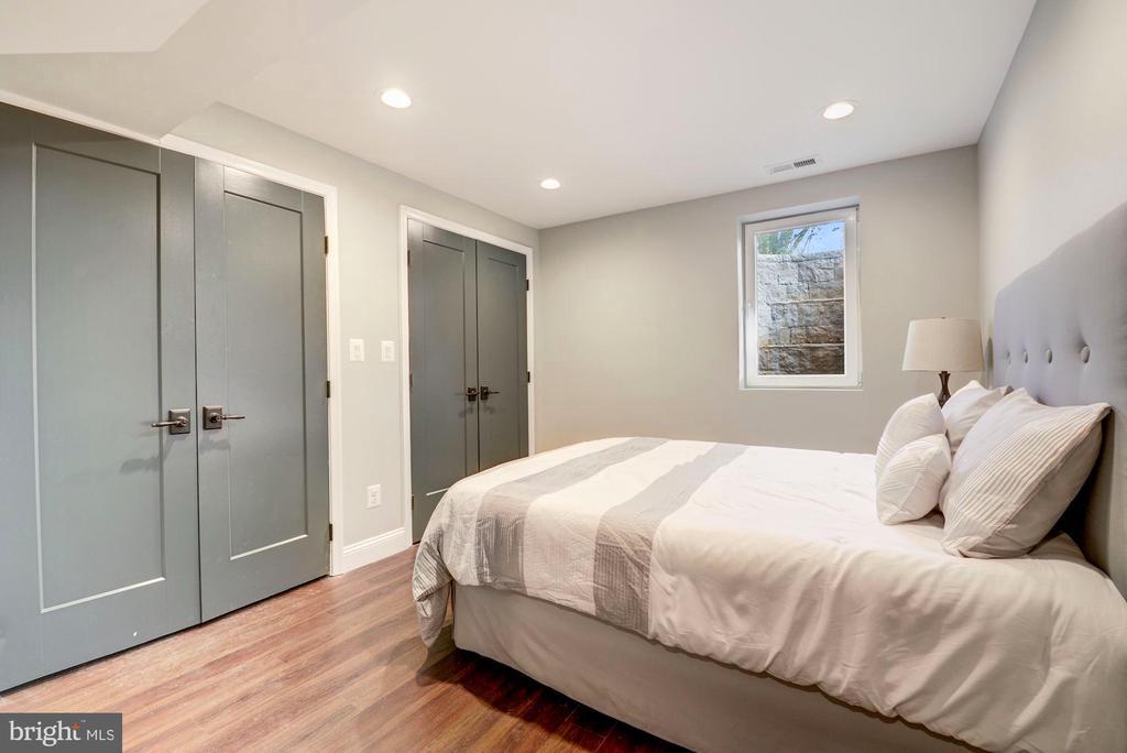 Basement bedroom - 1731 OTIS PL NE, WASHINGTON