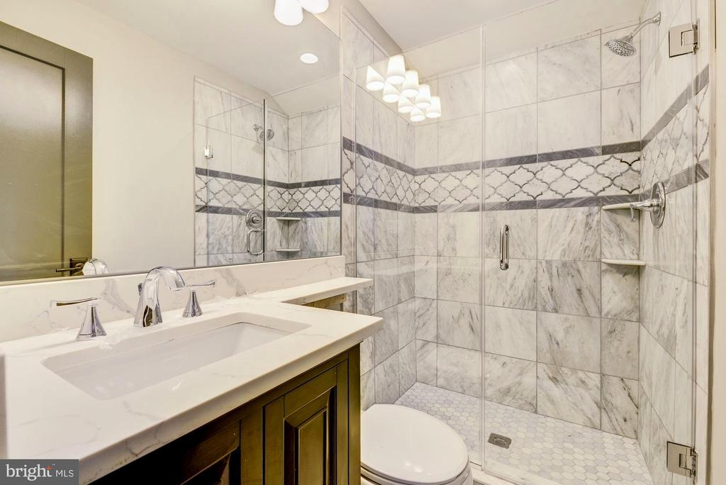 Master bath - 1731 OTIS PL NE, WASHINGTON
