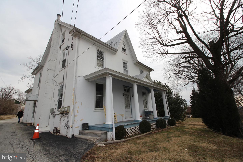 Eensgezinswoning voor Verkoop op 2953 W GERMANTOWN PIKE Norristown, Pennsylvania 19403 Verenigde Staten