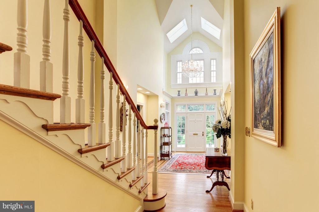 Light filled three story foyer - 6008 KENNEDY DR, CHEVY CHASE