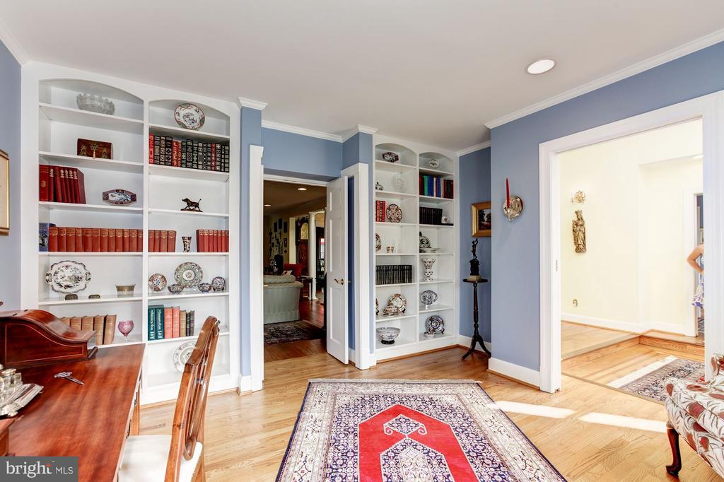 Sitting Room or Music Room - 6008 KENNEDY DR, CHEVY CHASE