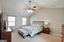 Spacious Master with Walk in Closet - 12157 CANTERBURY CT, KING GEORGE
