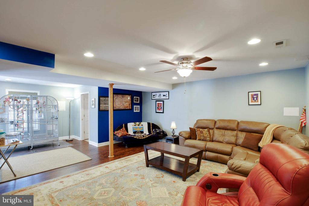 Recessed Lighting - 12157 CANTERBURY CT, KING GEORGE