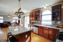 Beautiful Upgraded Kitchen - 12157 CANTERBURY CT, KING GEORGE