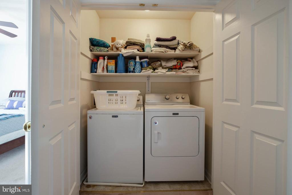 Upstairs Laundry - 12157 CANTERBURY CT, KING GEORGE
