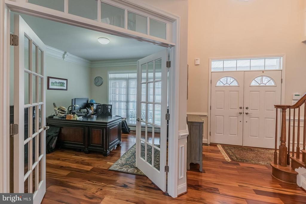 In-Home Office - 3145 BARBARA LN, FAIRFAX