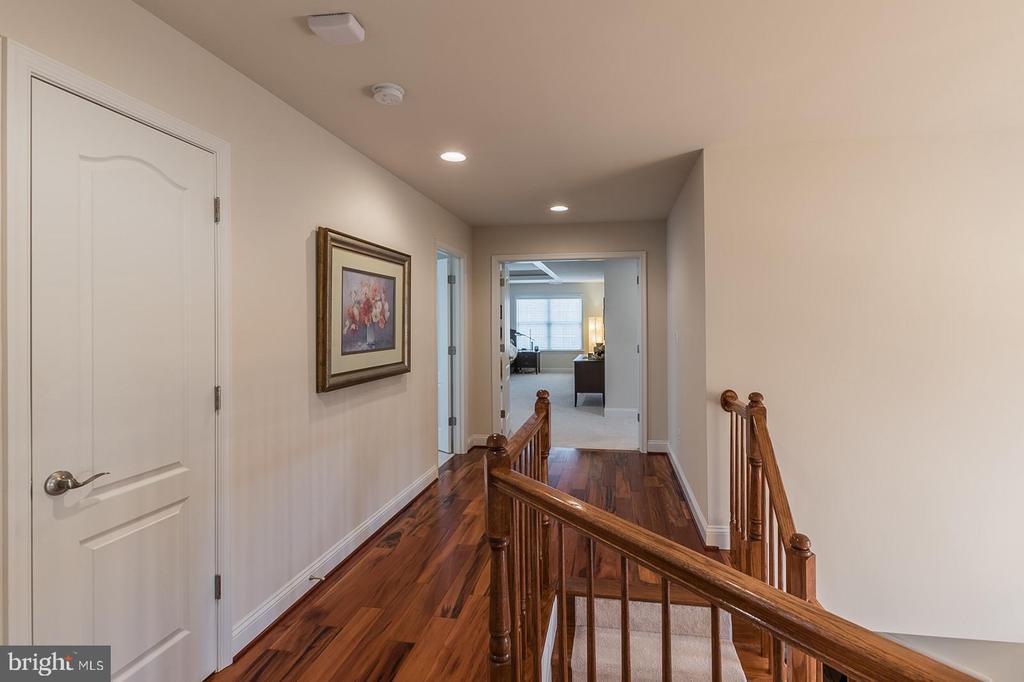 Hallway - 3145 BARBARA LN, FAIRFAX
