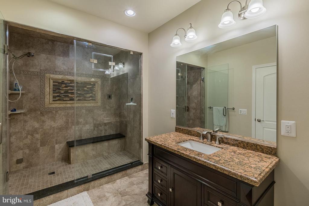 Full Bath w/Steam Shower - 3145 BARBARA LN, FAIRFAX