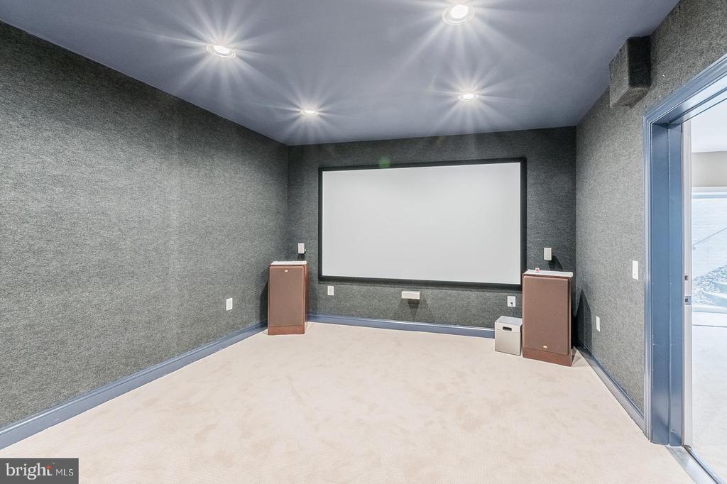 Sound Proof Theatre - 3145 BARBARA LN, FAIRFAX