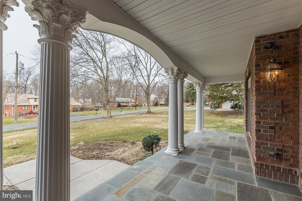 Columned Front Porch - 3145 BARBARA LN, FAIRFAX