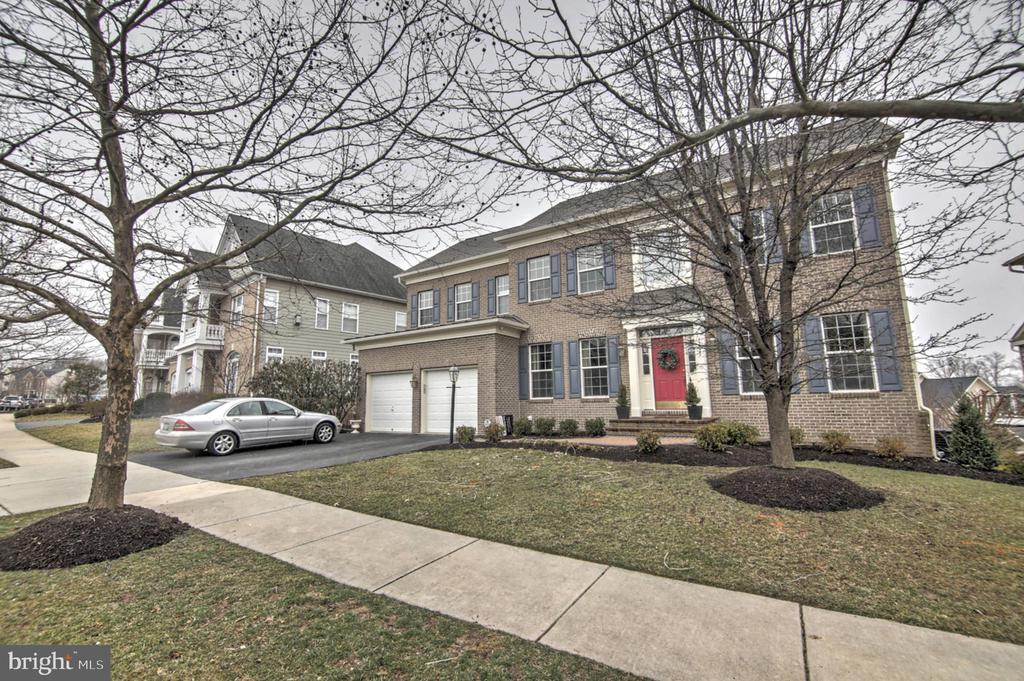 Welcome Home - 43820 RIVERPOINT DR, LEESBURG