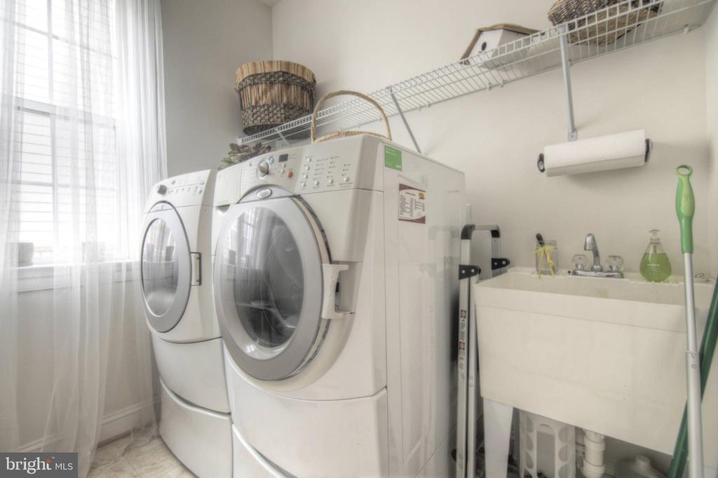 Laundry Room at Main Level - 43820 RIVERPOINT DR, LEESBURG