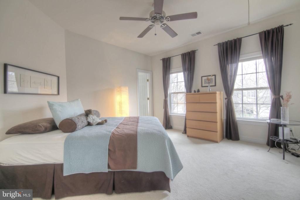 Bedroom 4 - 43820 RIVERPOINT DR, LEESBURG