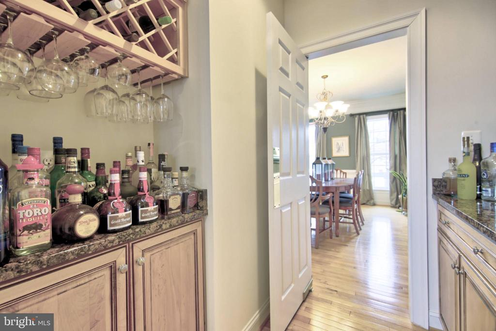 Main Level - 43820 RIVERPOINT DR, LEESBURG