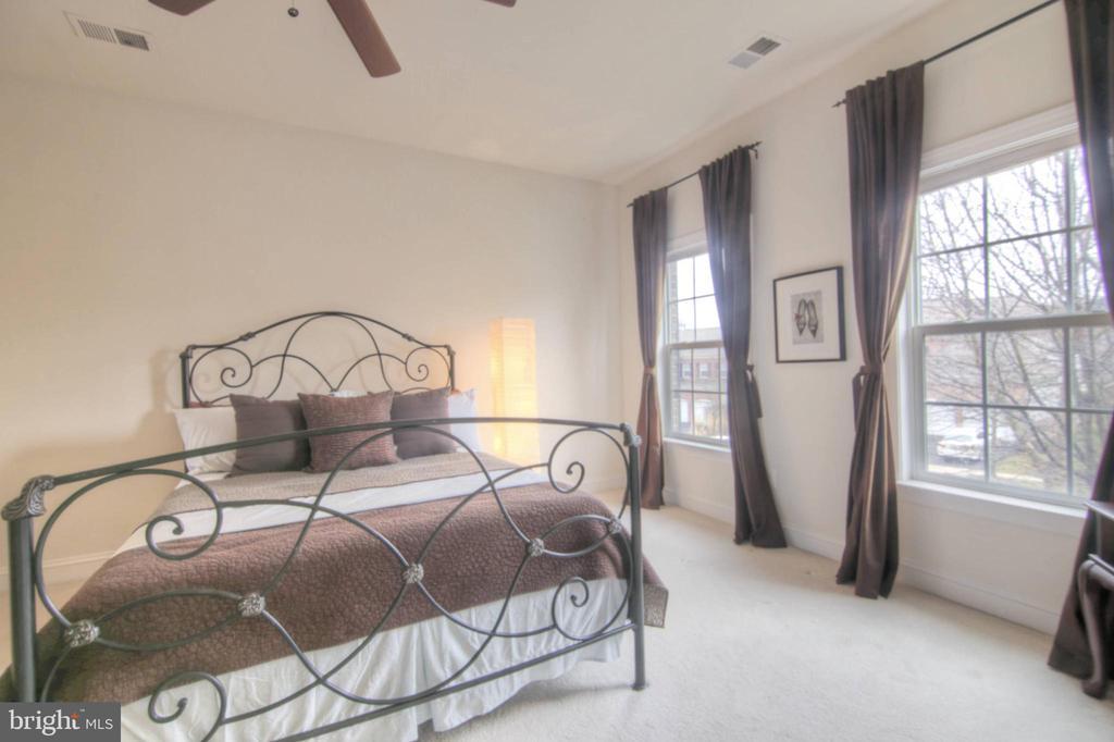 Bedroom 2 - 43820 RIVERPOINT DR, LEESBURG