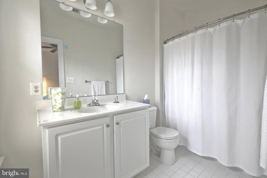 Bathroom 2 - 43820 RIVERPOINT DR, LEESBURG