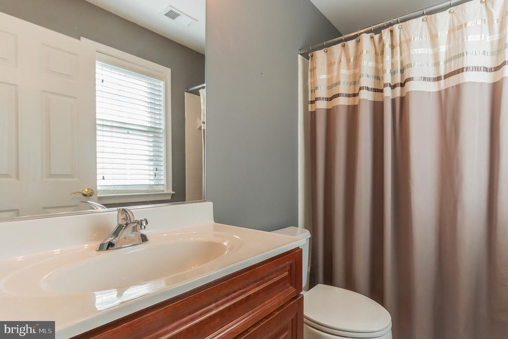 2nd Bedroom attached bath - 23081 PECOS LN, BRAMBLETON