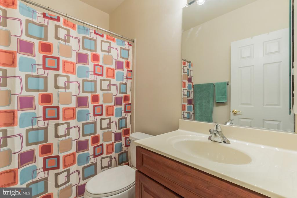 Basement full bath - 23081 PECOS LN, BRAMBLETON