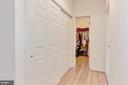 Walk in closet - 43304 DRESSMAKER LN, CHANTILLY