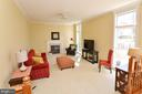 Sunny and bright space - 18707 DRUMMOND PL, LEESBURG