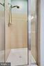 Master Bath has separate shower - 815 BRANCH DR #405, HERNDON