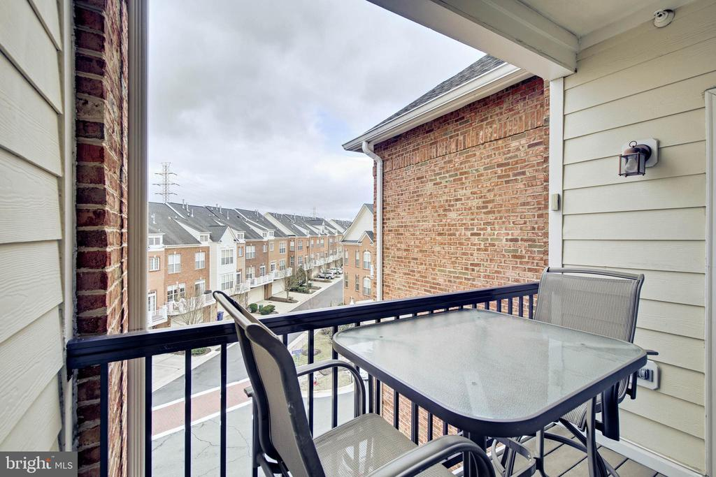 Balcony plus view - 815 BRANCH DR #405, HERNDON