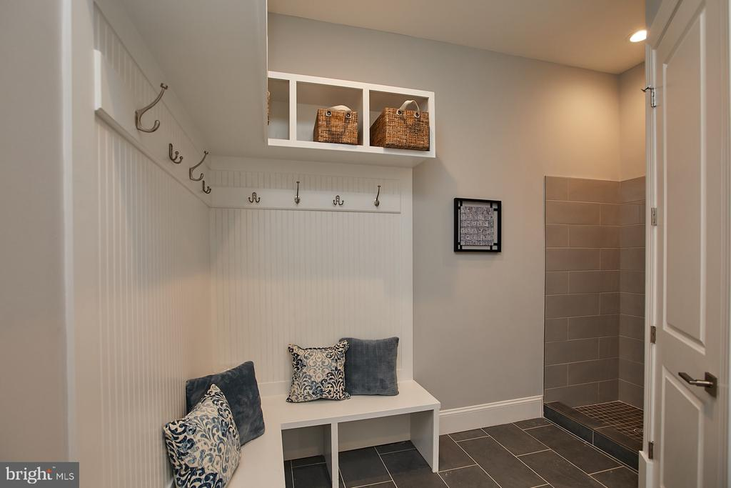 mud room with pet station - 2301 PROVIDENCE ST, FALLS CHURCH