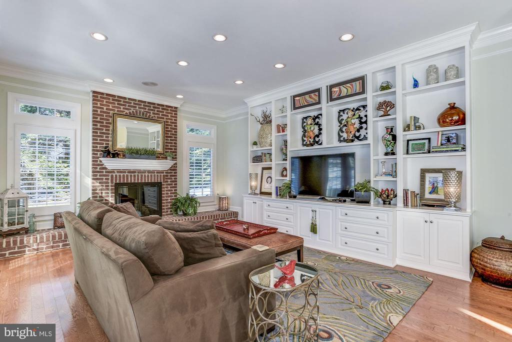 Family Room - 9709 BROOKSTONE LN, VIENNA