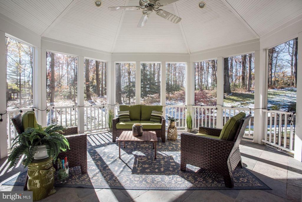 Screened Porch - 9709 BROOKSTONE LN, VIENNA