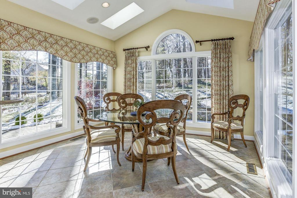 Breakfast Room with tranquil views - 9709 BROOKSTONE LN, VIENNA