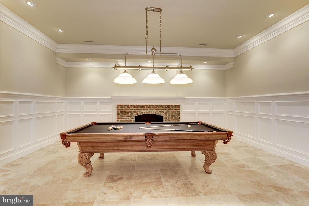 Billiard/ Game Room - 696 BUCKS LN, GREAT FALLS
