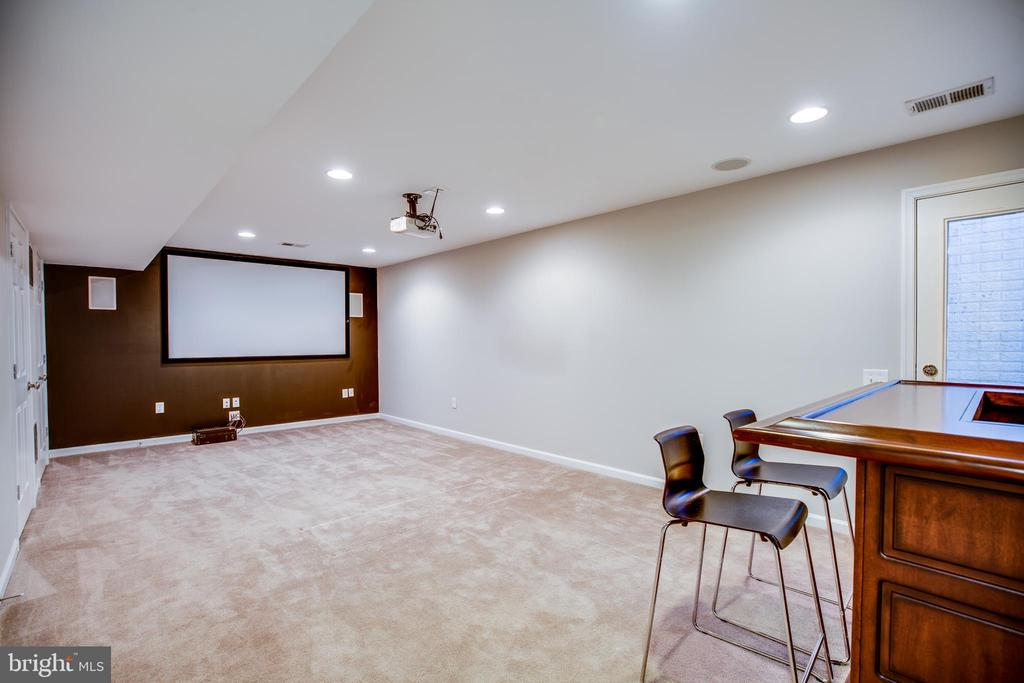 Rec room complete with projector, screen and bar - 60 IVY SPRING LN, FREDERICKSBURG