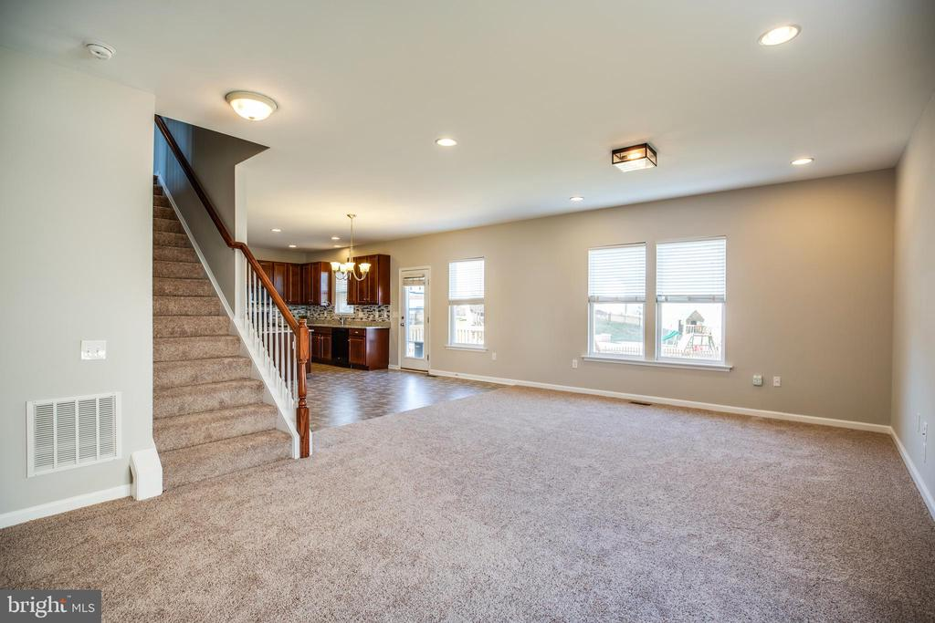 New Carpet and Fresh Paint! - 60 IVY SPRING LN, FREDERICKSBURG