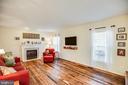 Sunken family room, reclaimed wood floors, gas fp - 5 KLINE CT, STAFFORD