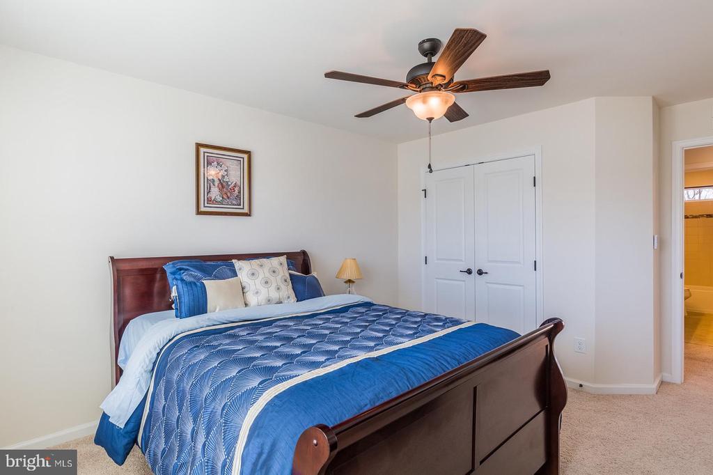 All the bedrooms have plenty of space - 3344 SOARING CIR, WOODBRIDGE