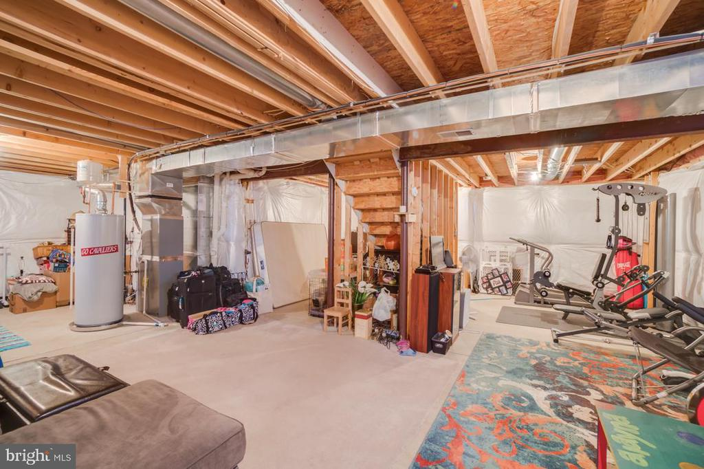 Unfinished Basement Provides Multiple Options - 6105 MCCARTHY DR, KING GEORGE